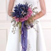 Pro vazbu svatebních květin pro výrazné barevné kombinace